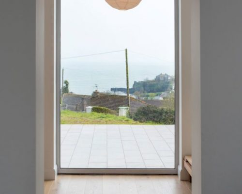 Contemporary-windows-Aluminium-Clad-Tilt-Turn-Zyle-Fenter-4-701x1024