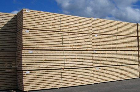 Pjautine mediena egle, pusis, mediena gamybai namuku, mediena statybai