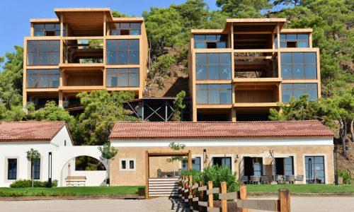 CLT namai, statyba sluoksniuota medienos plokštė
